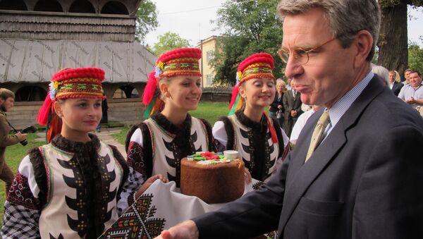 U.S. Ambassador Geoffrey Pyatt Presents Cultural Preservation Grant During His First Regional Trip to Lviv Oblast - Sputnik International