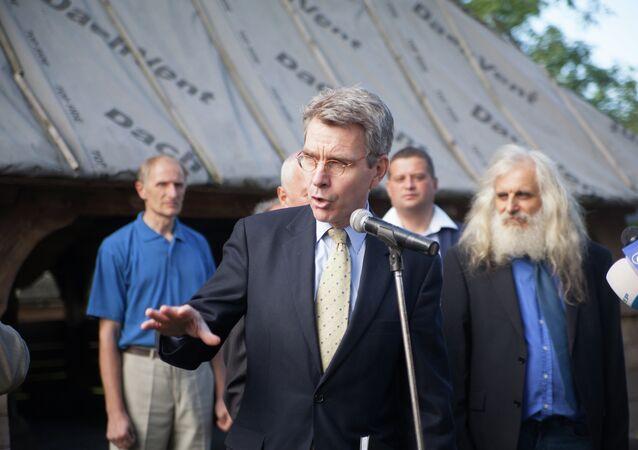 U.S. Ambassador Geoffrey Pyatt Presents Cultural Preservation Grant During His First Regional Trip to Lviv Oblast, Sept. 2, 2013