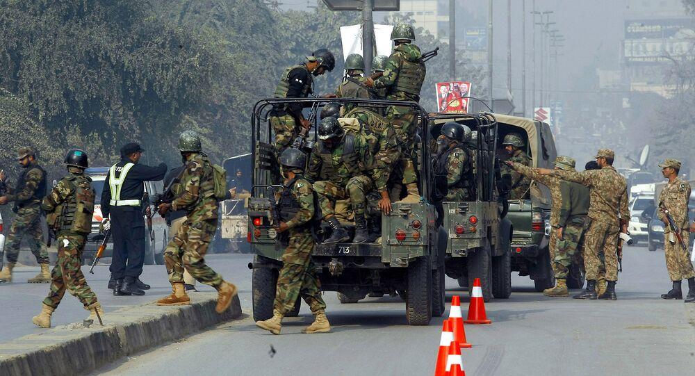 Pakistani army troops