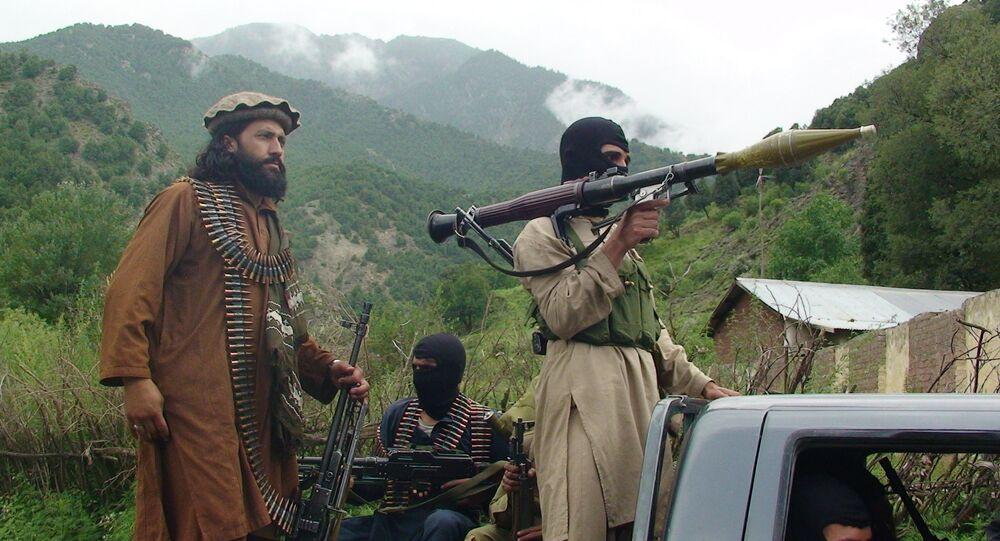 Pakistani Taliban patrol.