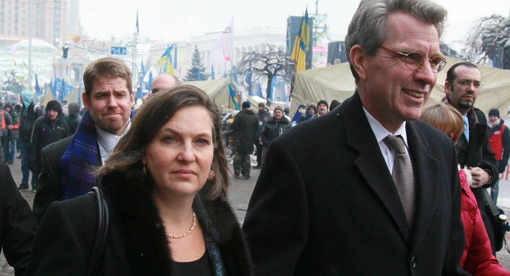 US Ambassador to Ukraine Geoffrey R. Pyatt with Assistant Secretary of State Victoria Nuland at the Maidan Square in Kiev, 2014.