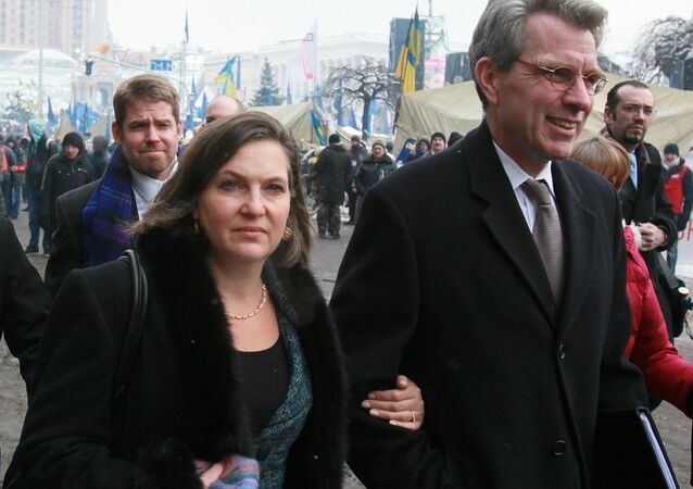 Victoria Nuland and Geoffrey R. Pyatt at the Maidan Square in Kiev