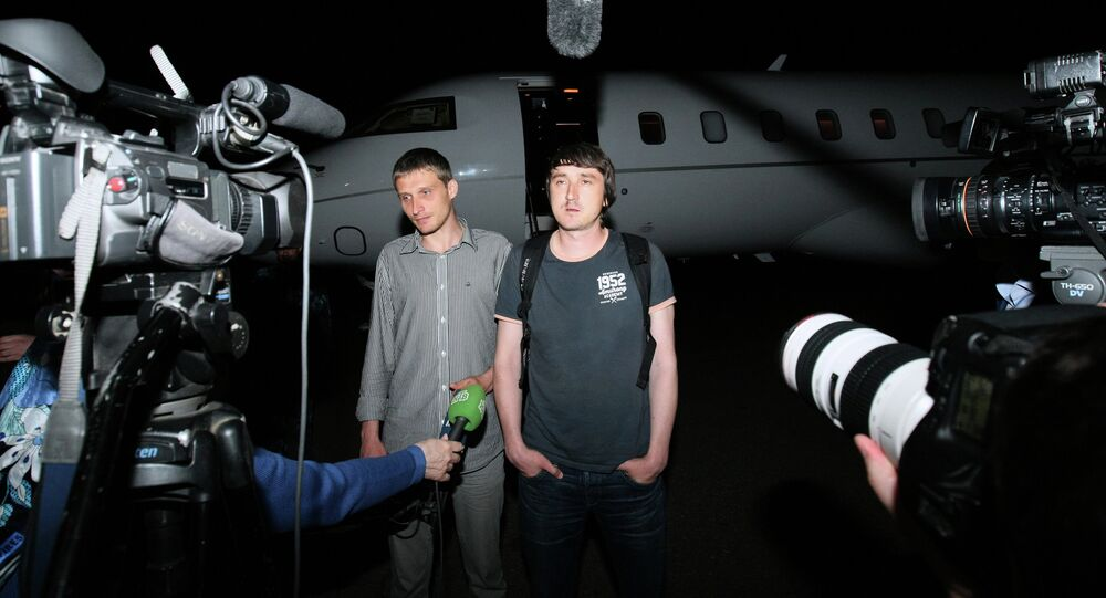 Plane with released LifeNews journalists arrives in Grozny