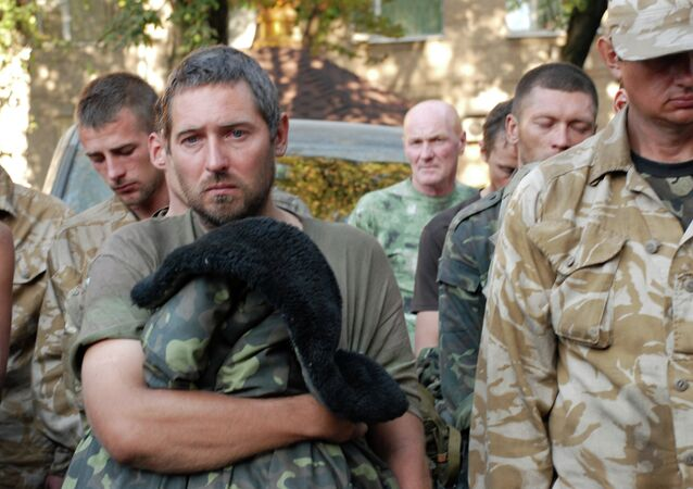 Captured Ukrainian soldiers taken out of the encirclement in Ilovaisk, near Donetsk