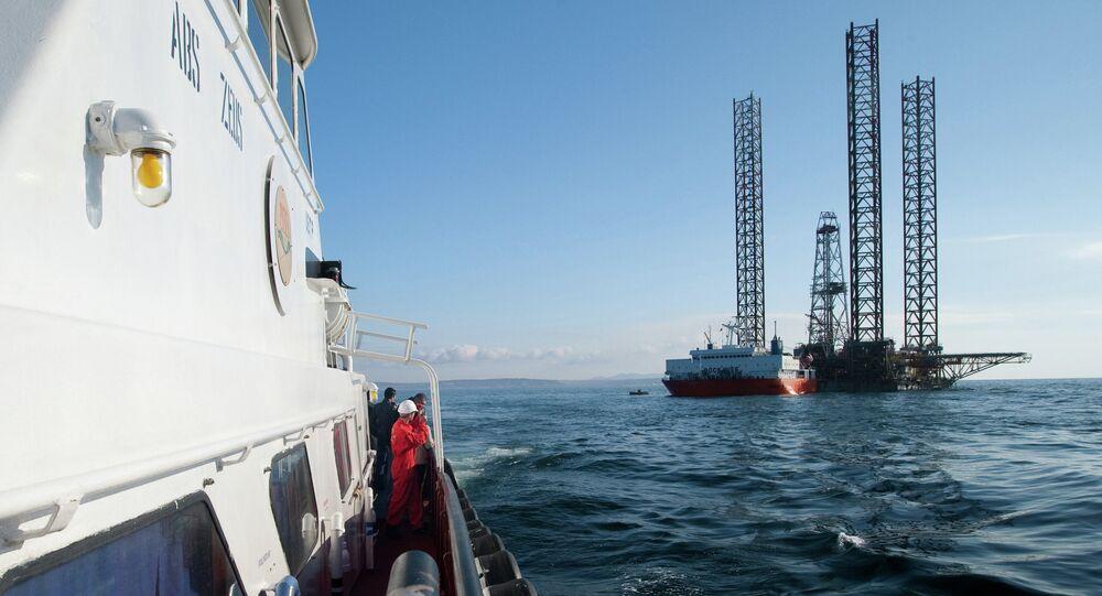 Transocean Shelf Explorer SEFDR loaded on semi-submersible