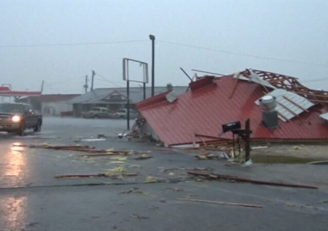Wrecked Buildings and Overturned Cars: Consequences of Tornado Activity in the US