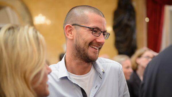 British Ebola survivor William Pooley speaks to delegates ahead of the 'Defeating Ebola: Sierra Leone' conference at Lancaster House - Sputnik International