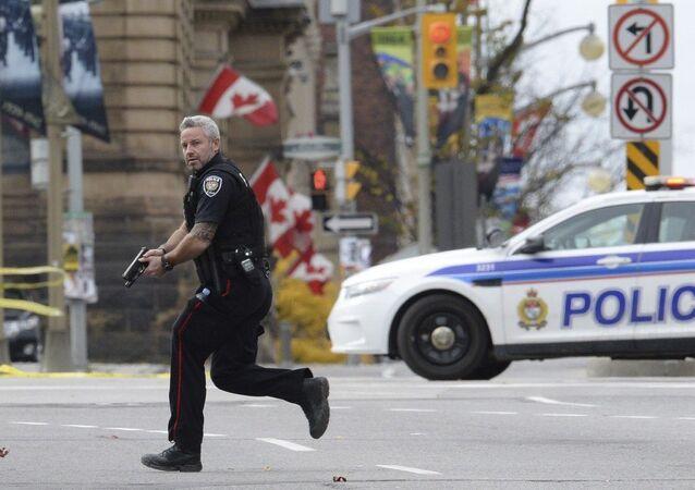 An Ottawa police officer