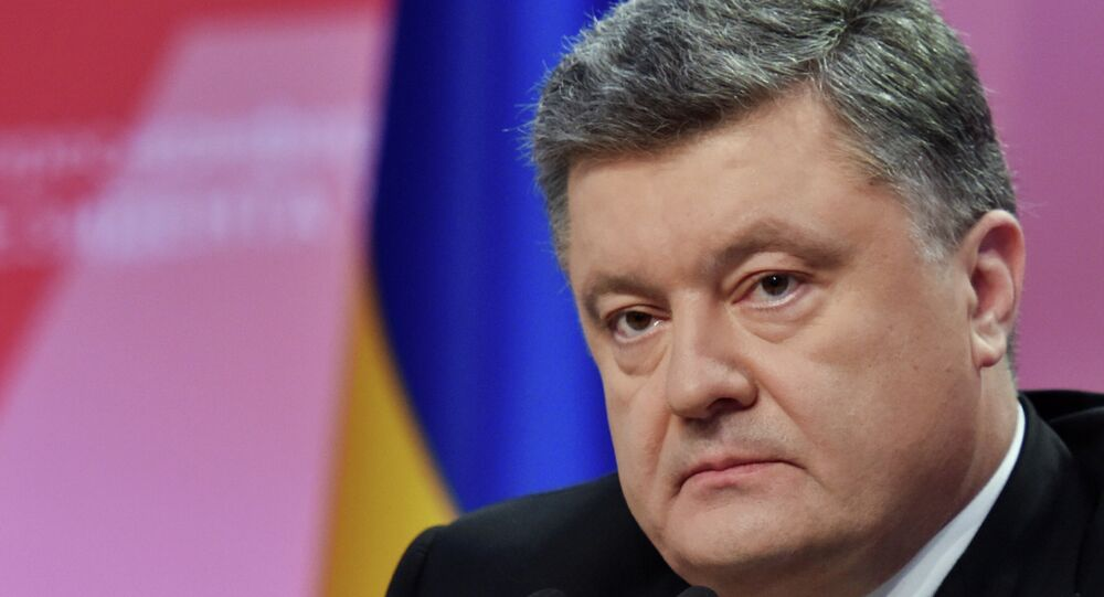 Ukrainian President Petro Poroshenko gives a news conference in Kiev on the year's results