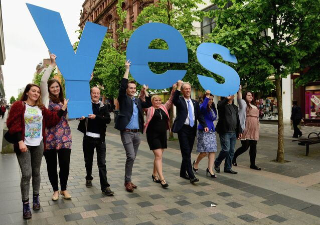 David Hayman and Yes Scotland Chief Executive Blair Jenkins join members of the Yes Scotland team, to mark the start of the regulated referendum period