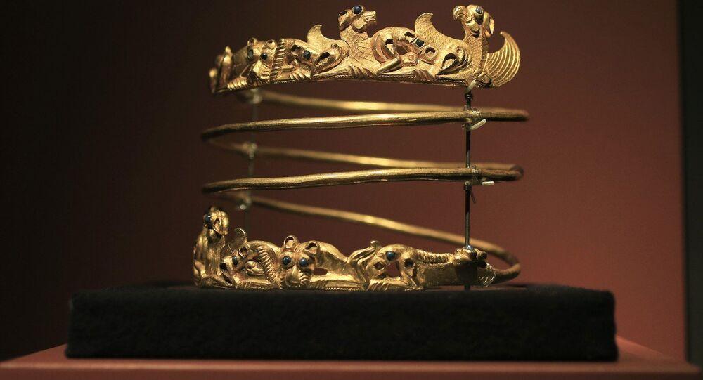 A Scythian gold helmet