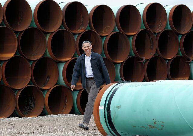 President Barack Obama arriving at the TransCanada Stillwater Pipe Yard in Cushing