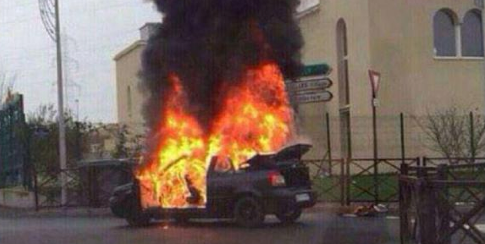 A car just exploded in front of the Synagogue