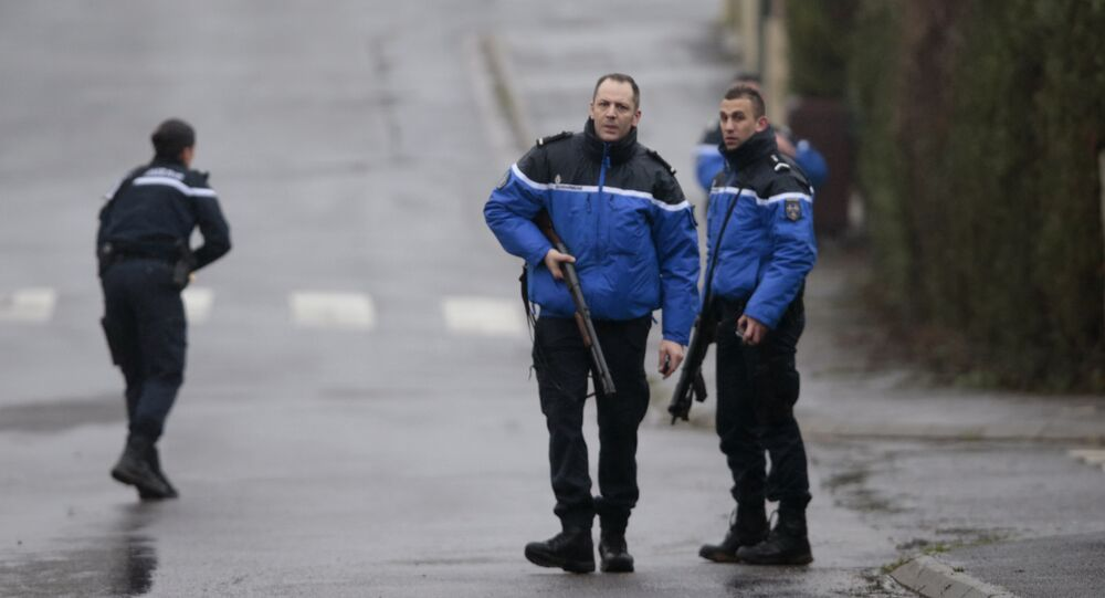 The anti-terrorist unit of French police special forces has begun hostage negotiations with the suspected attackers of the Charlie Hebdo magazine office in Paris