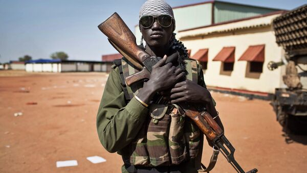 A young South Sudanese government soldier - Sputnik International
