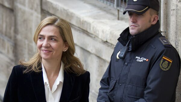 Spanish Infanta Cristina smiles as she arrives at the courthouse of Palma de Mallorca. - Sputnik International