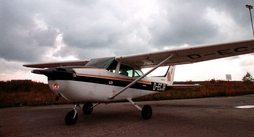 самолет Сессна