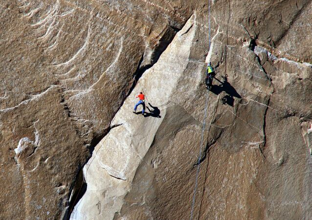 In this Dec. 28, 2014 photo provided by Tom Evans, Tommy Caldwell