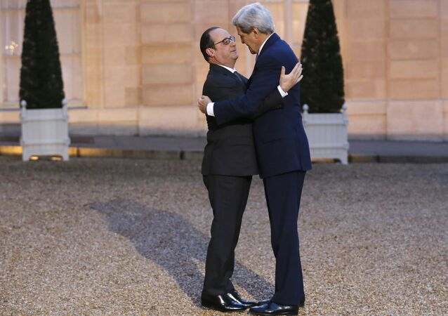 Without public announcement, the French government proposed a bill that aims to fully reintegrate France into NATO, the Marianne news magazine reported.