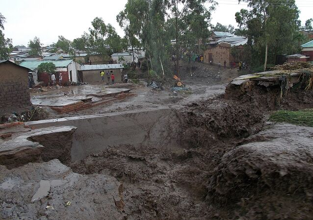 A general view of water flooding the streets of a township is seen on January 12, 2015 on the outskirts of Malawian capitol, Blantyre
