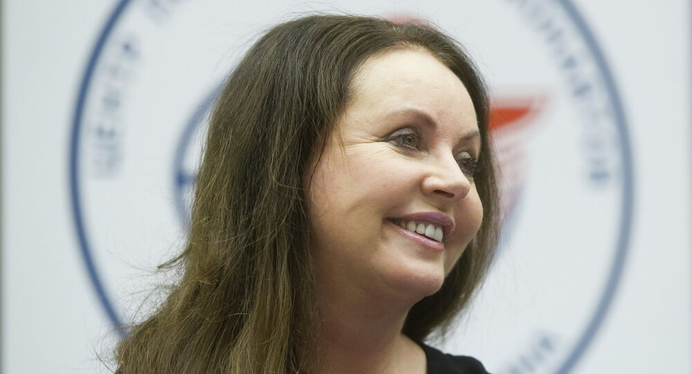 English classical crossover soprano, actress, songwriter and dancer Sarah Brightman meets with top managers and employees of the Gagarin Cosmonaut Training Center