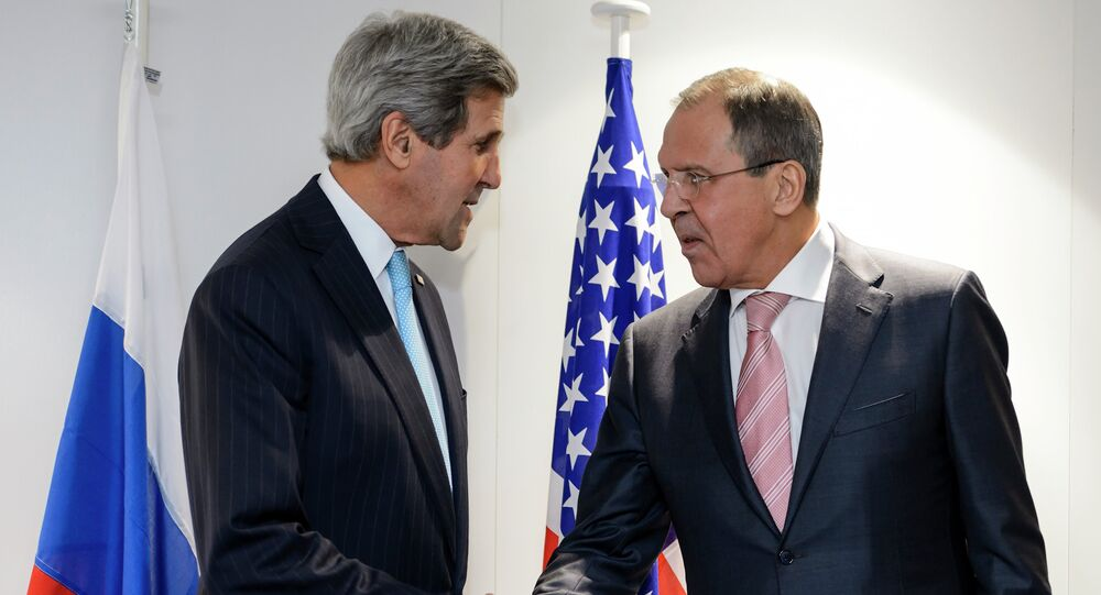 US Secretary of State John Kerry and Russian Foreign Minister Sergei Lavrov will discuss Iran and other international issues in Vienna on Tuesday.