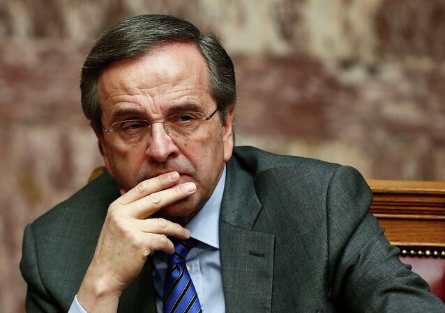 Greece's Prime Minister Antonis Samaras reacts during the second of three rounds of a presidential vote at the Greek parliament in Athens December 23, 2014