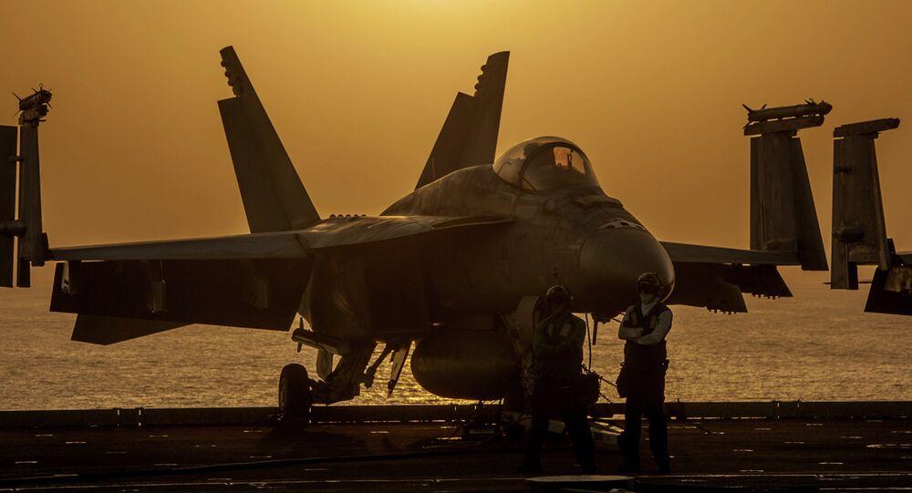 A U.S. Navy F/A-18E Super Hornet, Oct. 16, 2014
