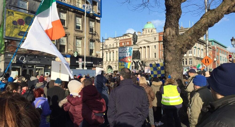 Several thousand protestors now on the streets of Dublin in the latest anti-water charges demonstration