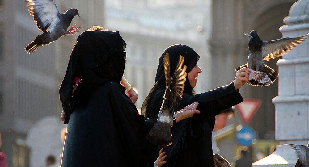 Mulsim women in Milan
