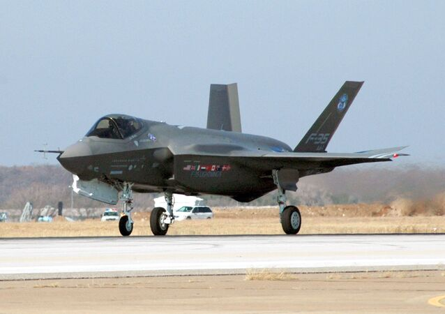 F-35 Joint Strike Fighter Lightning II