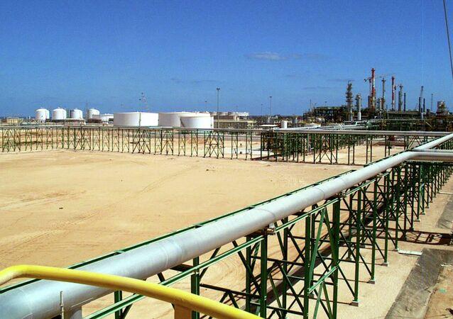 Unidentified gunmen have stormed the Mabruk oil field in central Libya  Read more: http://sputniknews.com/middleeast/20150204/1017753672.html#ixzz3Qm1bx4Jn