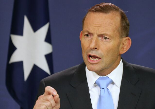 Australian Prime Minister Tony Abbott makes a statement at the government offices in Sydney, Australia Friday, Feb. 6, 2015