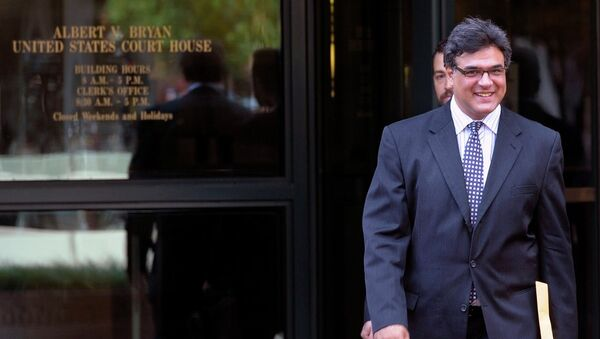 Former CIA officer John Kiriakou leaves U.S. District Courthouse in Alexandria, Va., Tuesday, Oct. 23, 2012, after pleading guilty, in a plea deal, to leaking the names of covert operatives to journalists. - Sputnik International