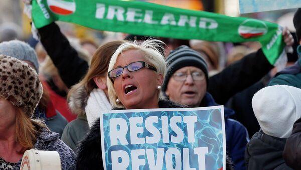 Protestors in Dublin - Sputnik International