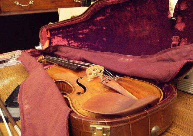 A Stradivarius violin similar to the one purportedly owned by Chicago mobster Frank Calabrese Sr.