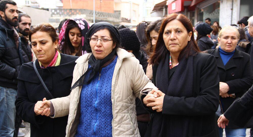 Özgecan Aslan's mother