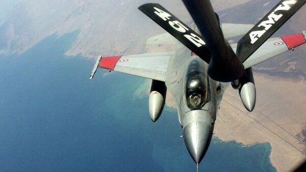 Egyptian F-16 Air Refueling - Sputnik International