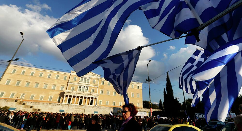 Protesters gather in front of the parliament during an anti-austerity and pro-government demonstration in Athens February 15, 2015