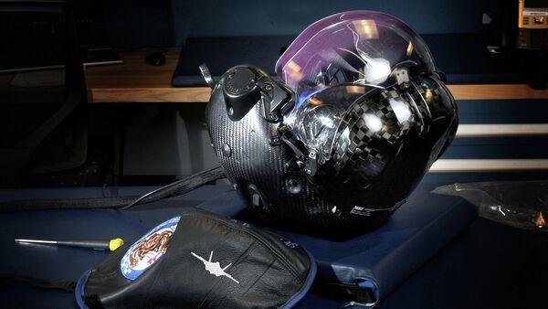 Flight helmet developed for the Joint F-35 Lightning II fighter aircraft. Joint service operations held at Eglin Air Force Base, Florida. - Sputnik International