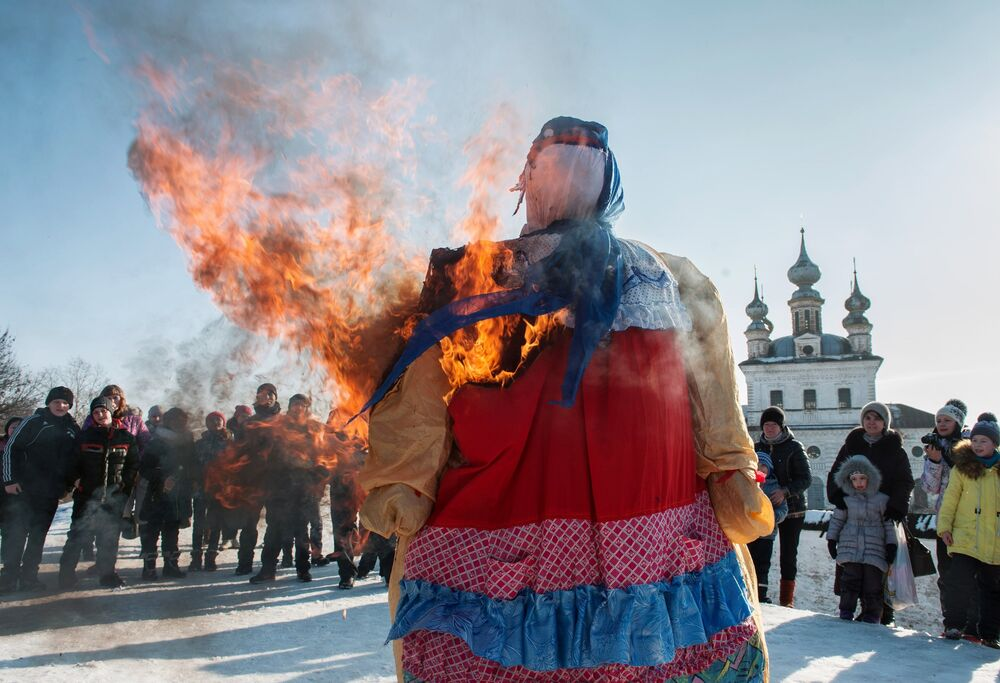 Welcoming Spring in Russian Way: Traditions of Slavic Pancakes Festival