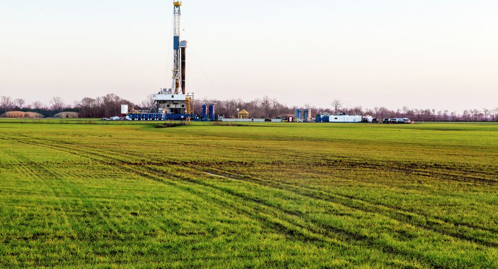 Natural Gas Well Fracking