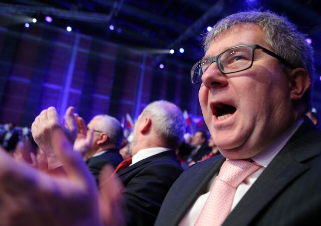 Polish Law and Justice Party MEP Ryszard Czarnecki has proposed a four-point plan aimed to push Russia away from our borders.