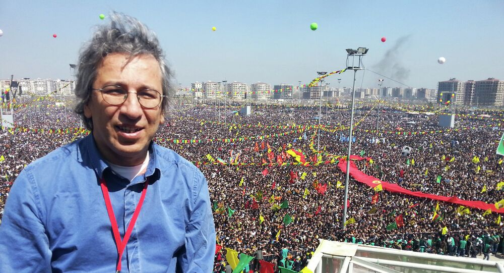 Turkish journalist Can Dundar during a Newroz celebration in Diyarbakir