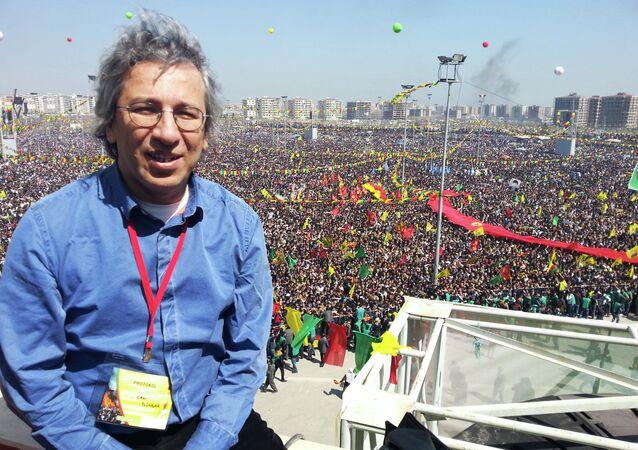Turkish journalist Can Dundar during a Newroz celebration in Diyarbakir