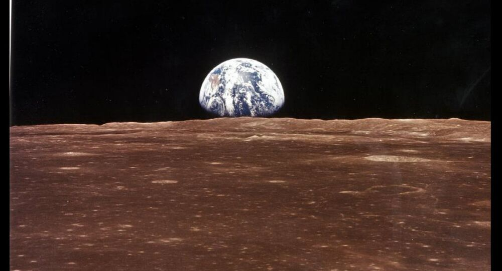A view from the moon to Earth