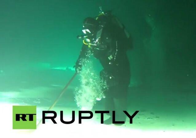 Drop the Puck: Underwater Hockey in Russia