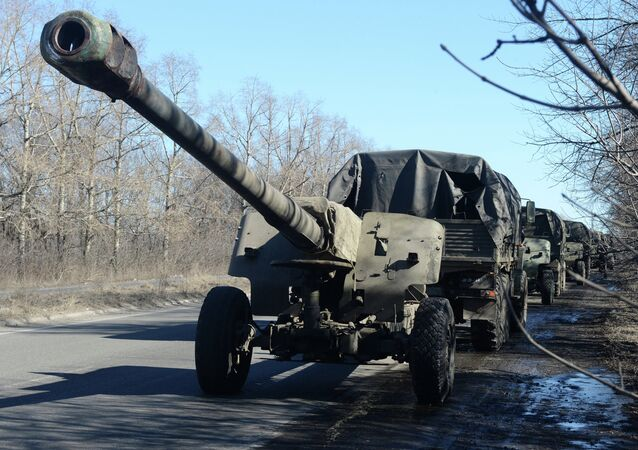 Withdrawing MSTA M2 howitzers from Donetsk in line with the Minsk agreements