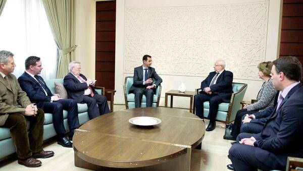 Syria's President Bashar al-Assad meets with a French delegation. - Sputnik International