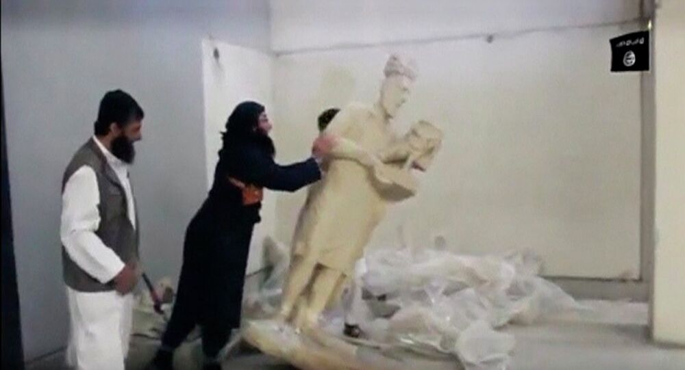 Ultra-radical Islamist militants in northern Iraq have destroyed a priceless collection of statues and sculptures from the ancient Assyrian era, inflicting what an archaeologist described as incalculable damage to a piece of shared human history.